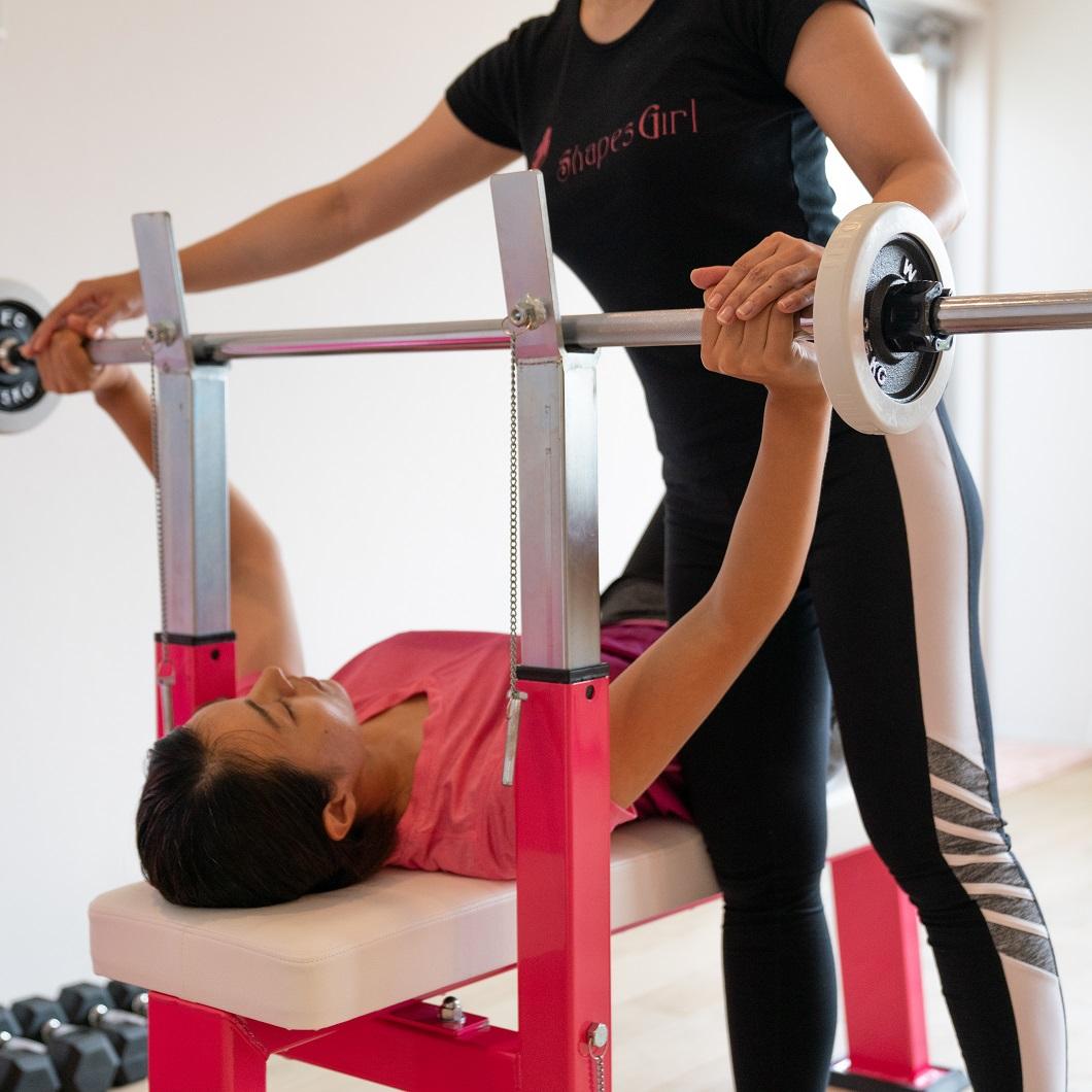 女性パーソナルトレーナーによるパーソナルトレーニング